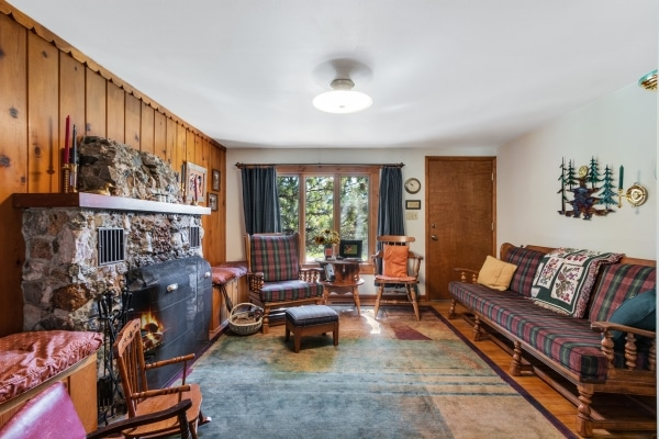 2nd-living-room-with-fireplace